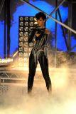 Rihanna 18.jpg
